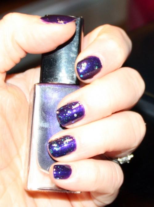 Nat : J'aime le violet et j'adore les paillettes !!