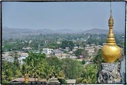 Visite de Loikaw, Pindaya