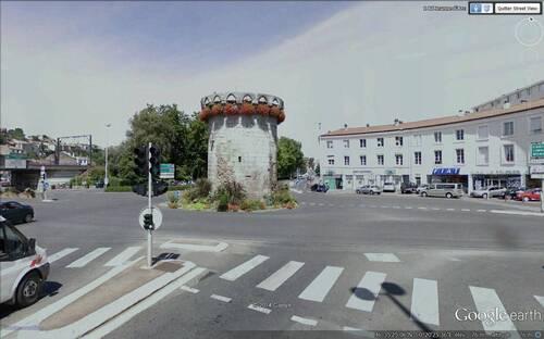 """Poitiers : la Tour Cordier ou la """" Porte de Paris """""""