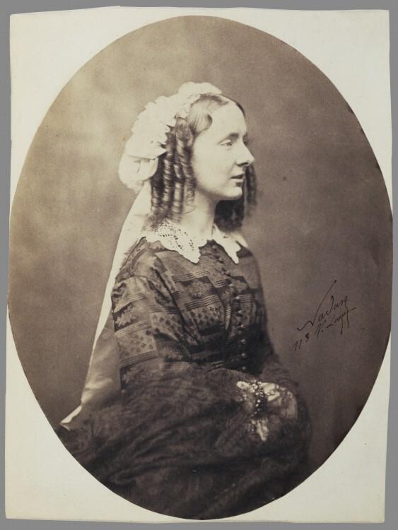 Nadar-Portrait-Mme-EM-Labiche-Adele-Hubert