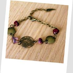 Magnifique bracelet créateur en bronze fleur et pierre naturelle