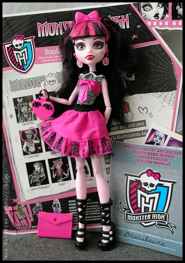 Monster High Draculaura Picture Day