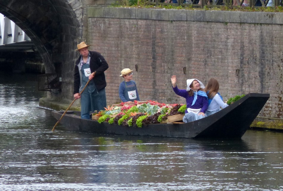 Le traditionnel marché sur l'eau