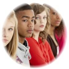 Les adolescents étudient la Bible?