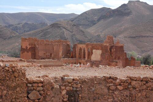Toujours depuis la terrasse la maison du califat