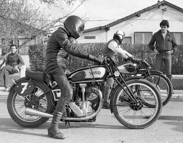 La 1ere vraie course de motos anciennes en France