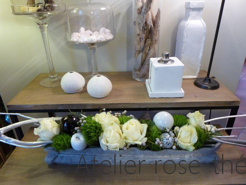 No l facettes atelier rose th for Art floral centre de table noel
