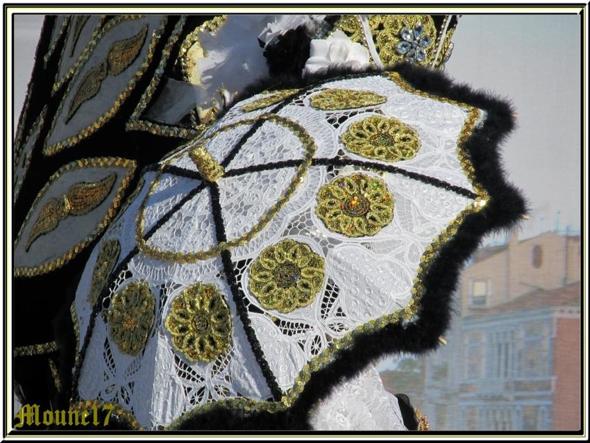 Carnaval vénitien à Etaules (17) le 08 mars 2015