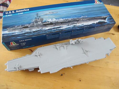 USS America au 1/720