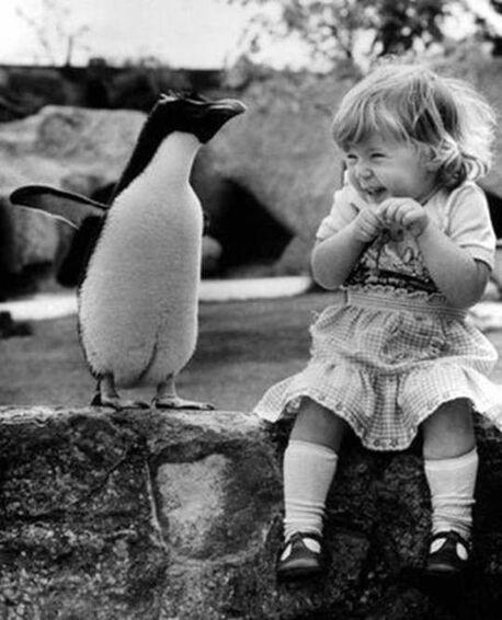 Enfant en noir et blanc:
