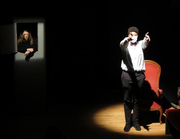 """Quelques élèves du lycée Désiré Nisard de Châtillon sur Seine, ont interprété avec brio des extraits d'""""Exercices de style"""", et de """"La Joconde jusqu'à cent"""""""
