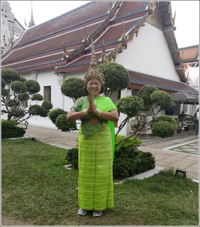 Un peu  d'évasion, en direct ou presque, de Bangkok ( Thaïlande ).....Photos de Roxane.