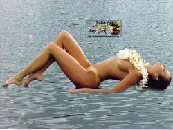 -- F. -- Seins nus et Nudité Art -- 3