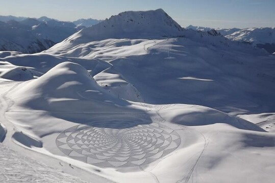 Snow Art Simon Beck 28 640x425 Simon Beck Crop Circle dans la neige