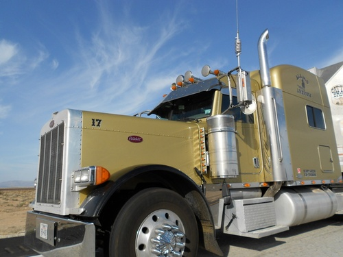Camion doré