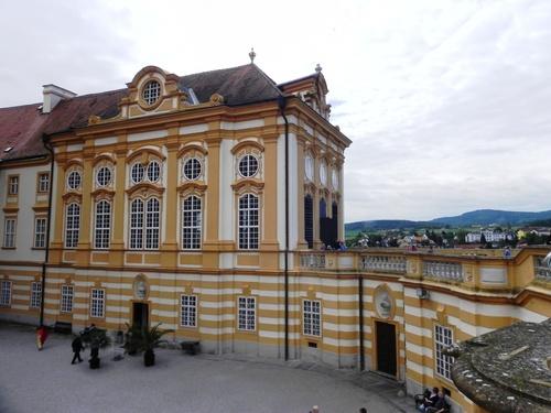 Un zoyau: le Monastàre de Melk en Autriçe (photos)