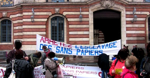 DOUBLE MANIF A CAPITOLE