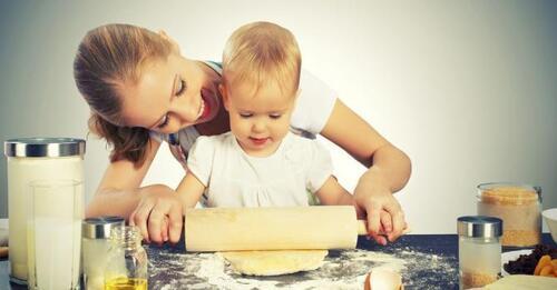 """Le rôle de l'enfance dans le surpoids """"Maman est en haut, qui fait du gâteau !"""""""