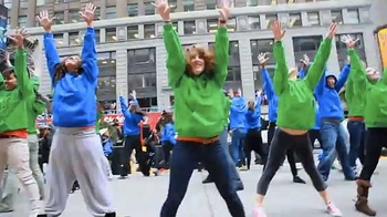 wells_fargo_flash_mob_blue_green_dancers