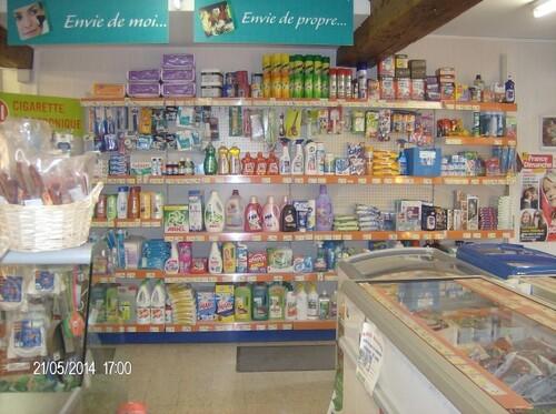 "Proxi marché ""Tout pour tout"""