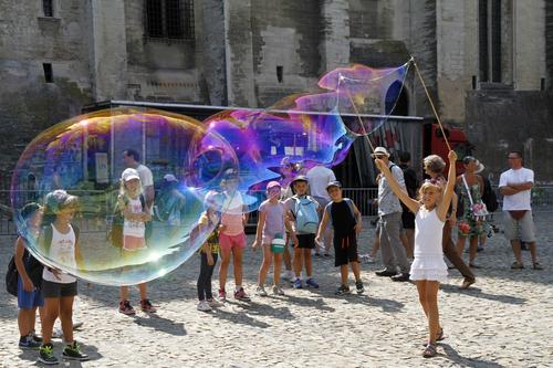 Histoire de bulle en Avignon.