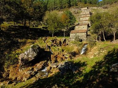 Les moulins en cascade en Galicie ...