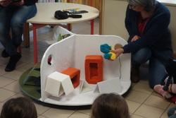 """GS :""""Petit bleu et petit jaune"""" à la bibliothèque"""