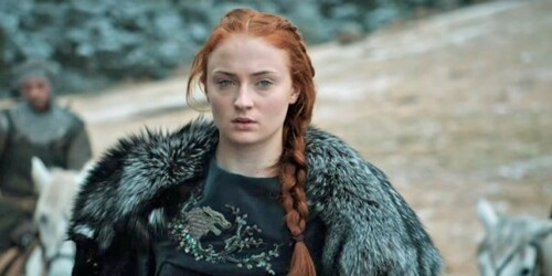 Fashion scoop: Sansa brode elle-même son loup