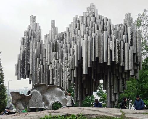 Helsinki en Finlande: atour du Monument de Sibélius et du stade olympique (photos)