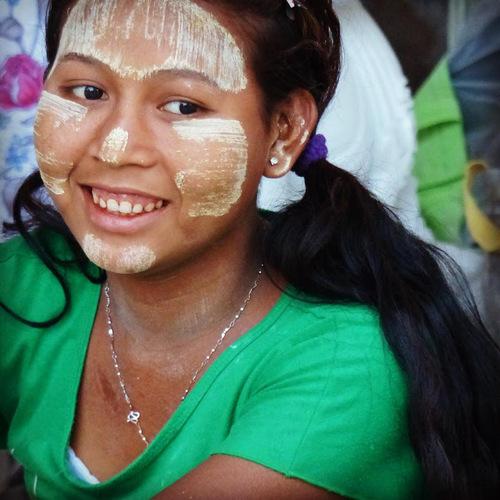 le bois de tanaka; un cosmétique très prisé en Birmanie