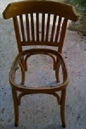 La chaise Olympiakos - Olympiakos chair - Η καρέκλα του Ολυμπιακού
