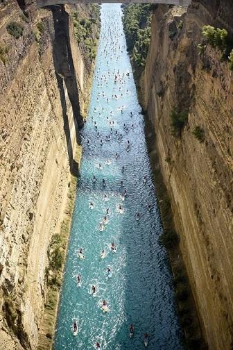 Paddle sur le canal de Corinthe ...