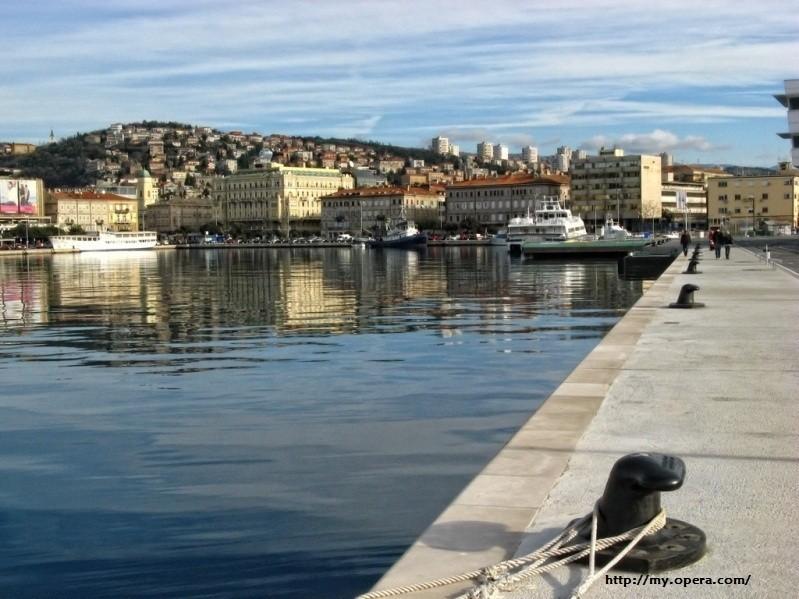 Rijeka---luka1.jpg
