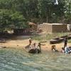 mali bafoulabé femmes au fleuve