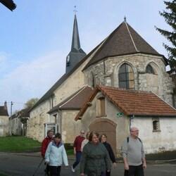 Eglise de Montdauphin et une partie de l'équipe