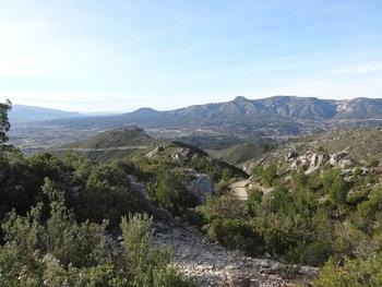 Vue vers Aubagne, Marseille, le Ruissatel, le Garlaban ,...