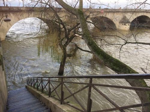 Quais inondés à Paris
