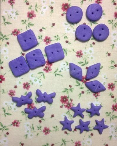boutons-violets-marbres.jpg