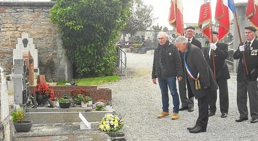 Cimetière de Concarneau. 78e commémoration de la fusillade de Châteaubriant (LT.fr-15/10/19-19h58)
