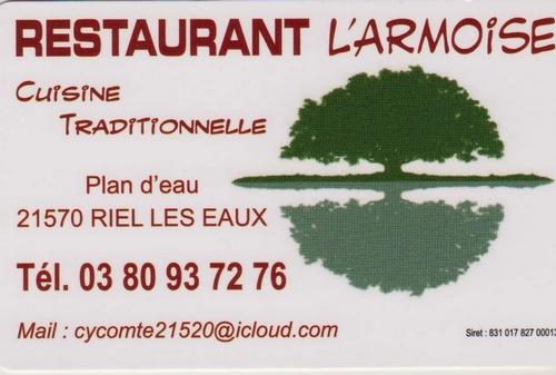 """Les peintres des Amis du Châtillonnais ont partagé un excellent repas à """"L'Armoise"""", le restaurant de Riel les Eaux"""