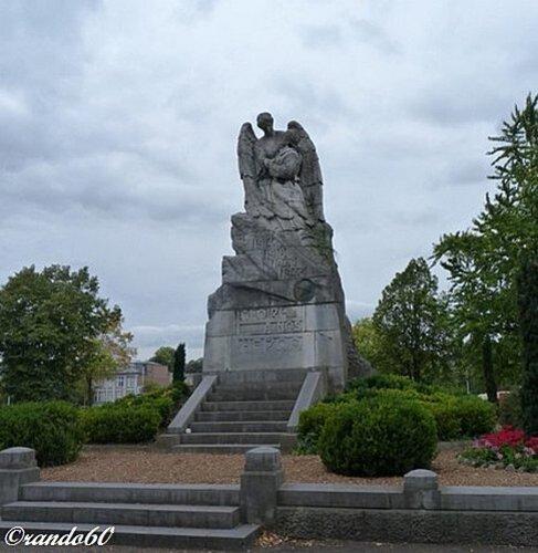 huy-statue-du-par -kiosque-2d0b32a