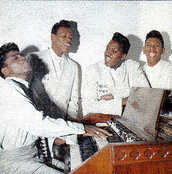 R & B : James Brown & The Famous Flames