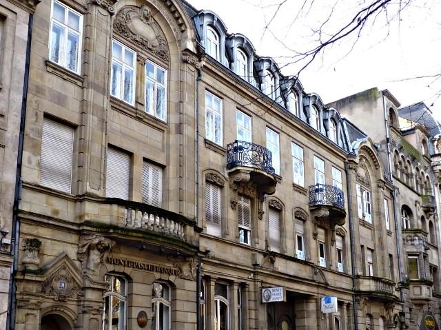 Avenue Foch de Metz 13 04 02 2010