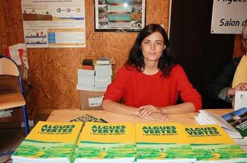 L'enquête d'Inès Léraud (ci-dessus) et Pierre Van Hove, publiée sous forme de bande dessinée, a été vendue à plus de 75000 exemplaires.