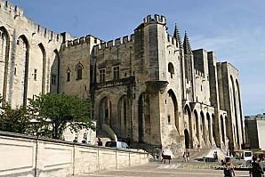 avignon-palais-des-papes-661