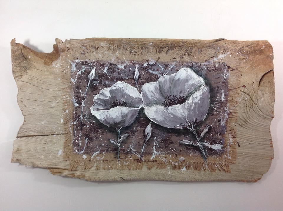 Fleurs de Pavot sur tableau en bois flotté - https://www.tethysart.com