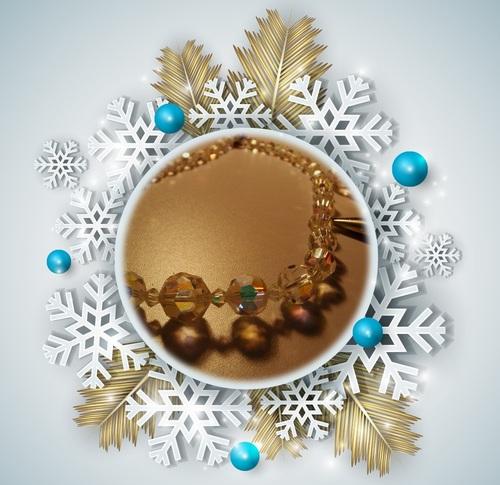 collier en perles de verre à facettes