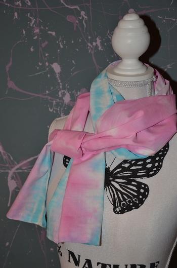 écharpe rose et bleu tie and dye 1