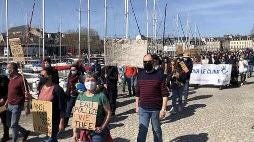 Le dimanche 28mars dernier, la marche pour le climat avait rassemblé quelque 600personnes sur le port de Vannes.