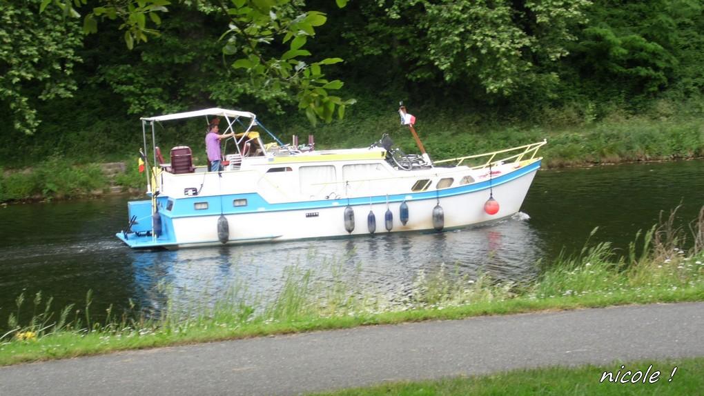 Le Canal Latéral              10